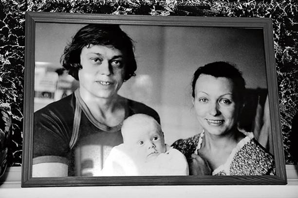 Срочно! Караченцов попал в больницу вместе с женой: Проклятие семьи или просто выдумки?