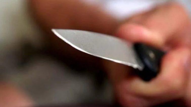 Море крови: Психопат с ножом решил отомстить каждому знакомому. Четверо людей не выдержали ранений!