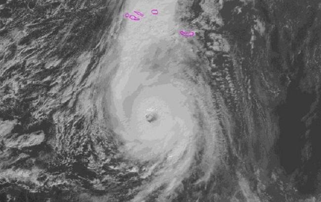 Ураган «Брайан» атаковал Великобританию: появились фото буйства стихии