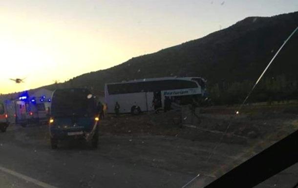 Срочно! Туристический автобус попал в ДТП в Турции: есть пострадавшие