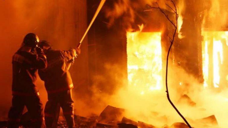 Огненная катастрофа: В столице горит старейший завод, Москва в дыму