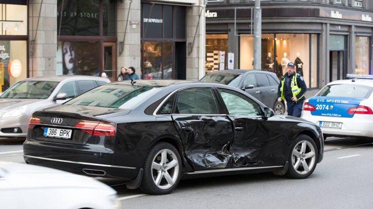 «Врезался автомобиль…»: В аварию попал премьер-министр