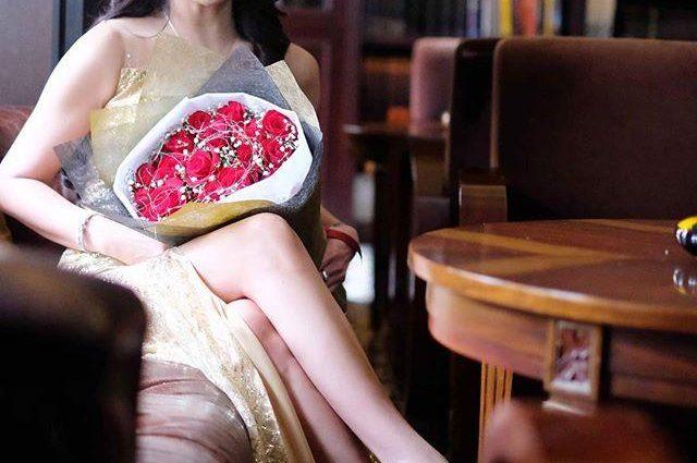 50-летняя жительница Индонезии покорила Instagram своей внешностью