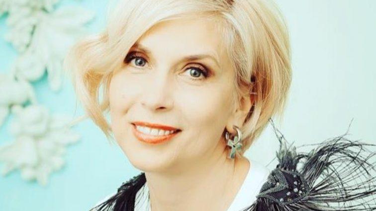 «Цветущая роза»: 55-летняя Алена Свиридова поразила неувядающей красотой