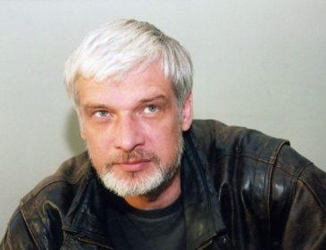 Этот мужчина всегда полон сил: Актер Дмитрий Брусникин отмечает юбилей