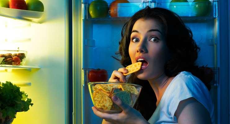 Ночные перекусы опасны для здоровья
