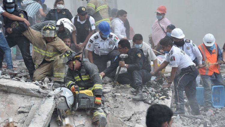 Число жертв землетрясения на границе Ирака с Ираном выросло