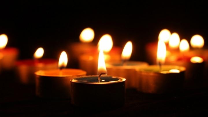 «После продолжительной болезни»: Умер известный певец. Поклонники не верят