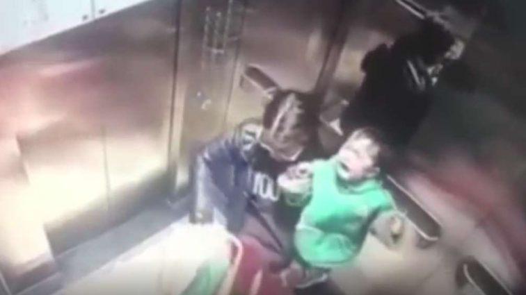 Няня жестоко избила ребенка на камеру (видео)