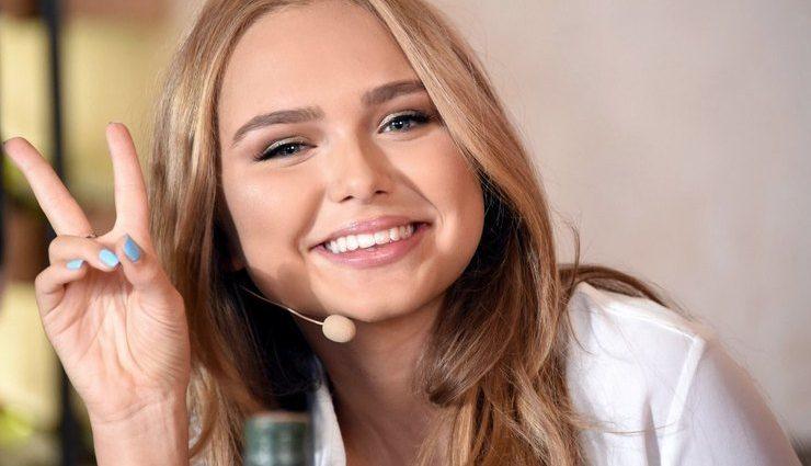 «Как мама с сыном»: 17-летняя дочь Маликова вышла в свет со своим возлюбленным и удивила внешним видом