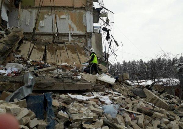 В России снова внезапно обвалился многоквартирный дом: первые фото