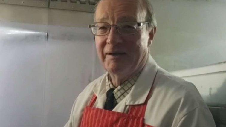 Кровяная колбаса спасла пожилого человека от смерти