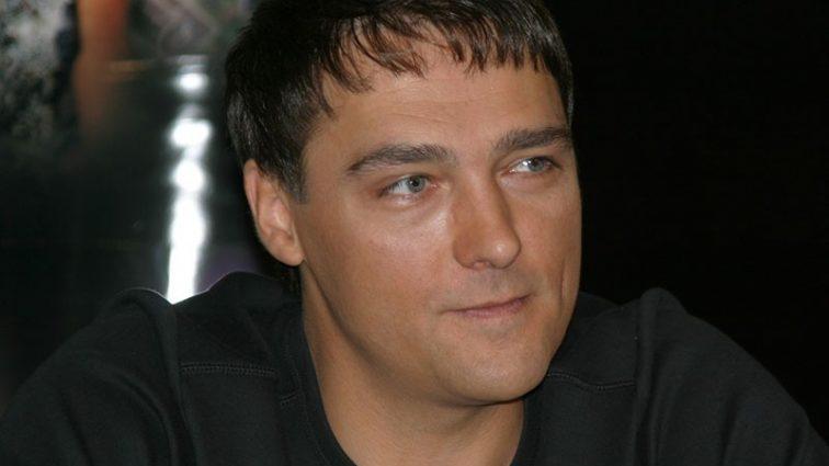 «Хранительница домашнего очага»: Кто она, жена Юрия Шатунова? Только посмотрите на эту красотку