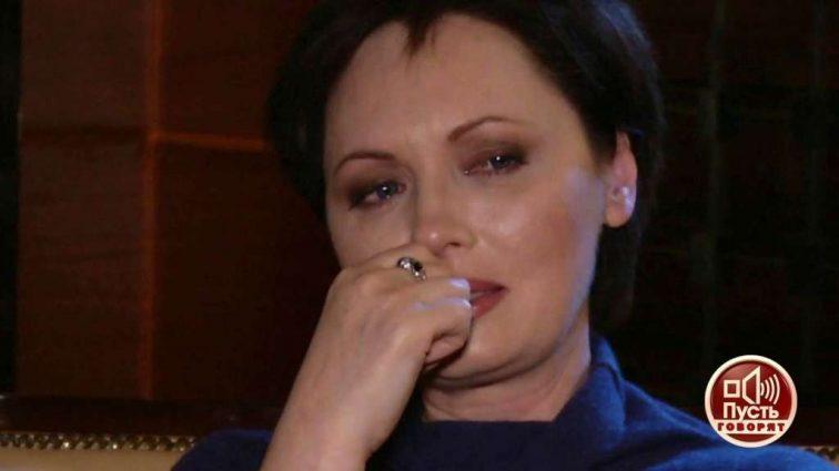 Звезда сериала «Кухня» судится с избивавшим ее мужем: Только посмотрите, какой флешмоб устроили в поддержку фанаты