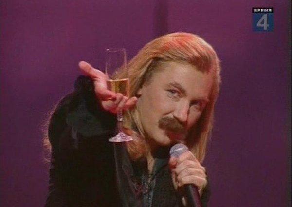 «Выпили за любовь!» — Тарасов с партнерами по команде спели известную песню Николаева