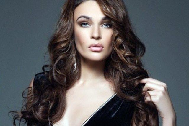 Единственное, что у меня сделано — это грудь и четыре зуба»: Алена Водонаева показала себя в подростковом возрасте