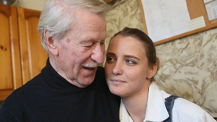 «Вот же ревнивец» — Директор 87-летнего Ивана Краско избил предполагаемого кавалера егомолодой жены