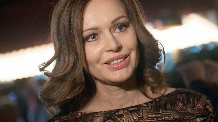 Ирина Безрукова удивила своим фото без макияжа. Поклонники заметили одну странную деталь