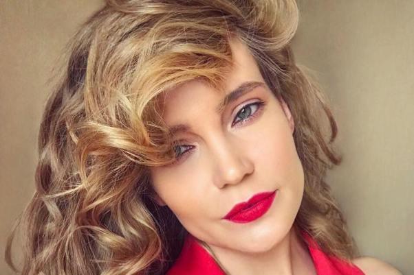 «Не в состоянии оплачивать ей выступления» — Певица Глюкоза пропала с телевидения из-за банкротства супруга