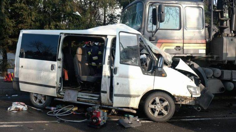 Страшное столкновение с грузовиком: есть жертвы
