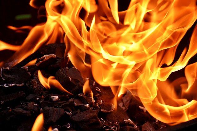 «Пассажиры не могли выбраться»: в автобусе заживо сгорели десятки людей