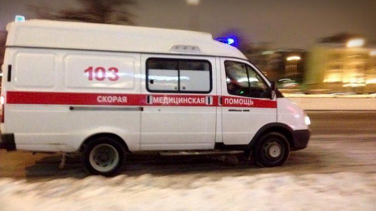 Неизвестные обстреляли автомобиль скорой медицинской помощи, приехавший на вызов