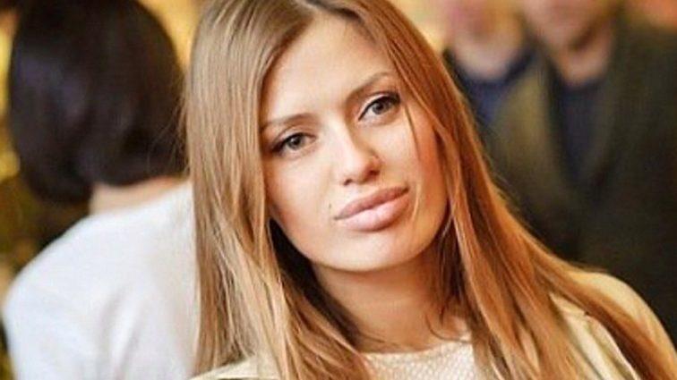 «Платье не очень»: подписчики раскритиковали Викторию Боню за выбор одежды
