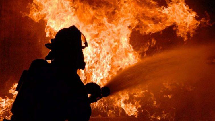 Пожар в небоскребе: пострадали семь человек