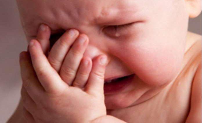 «Хотел сына»: отец жестоко избил ребенка