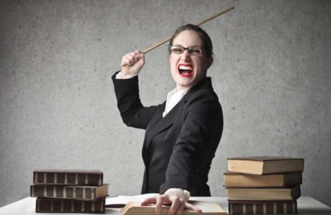 «Доводит до истерики»: пожилая учительница унижает детей