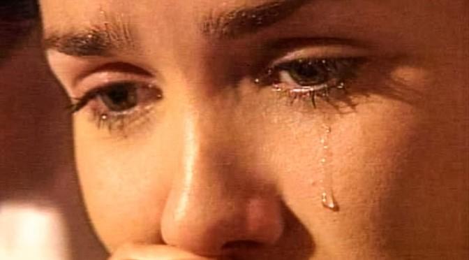 «За отказ выходить замуж»: родители издевались над собственной дочерью