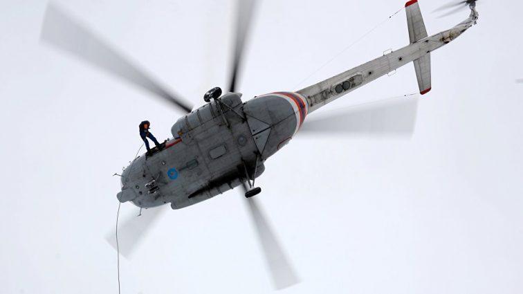 В Хабаровске вертолет упал на  улицу: есть погибшие