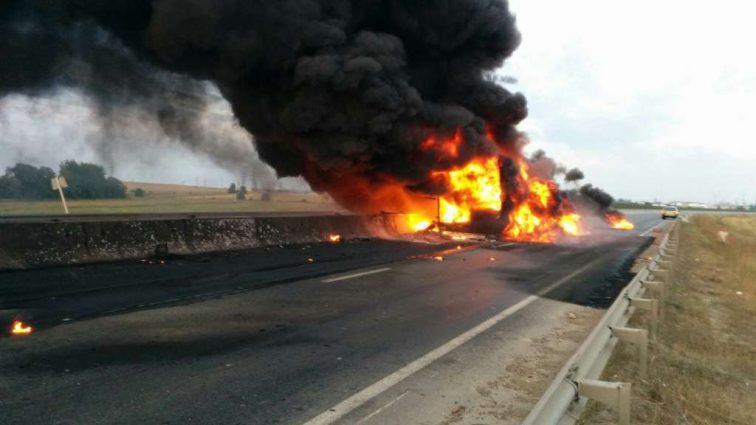 Внезапный взрыв грузовика: семь человек погибли, есть тяжело пострадавшие