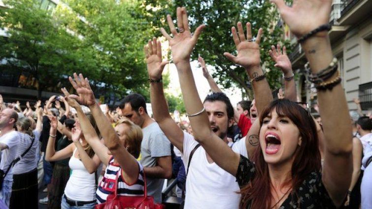 «Соответствующее законодательство нужно менять»: возмущенные люди вышли на акцию протеста из-за приговора насильникам