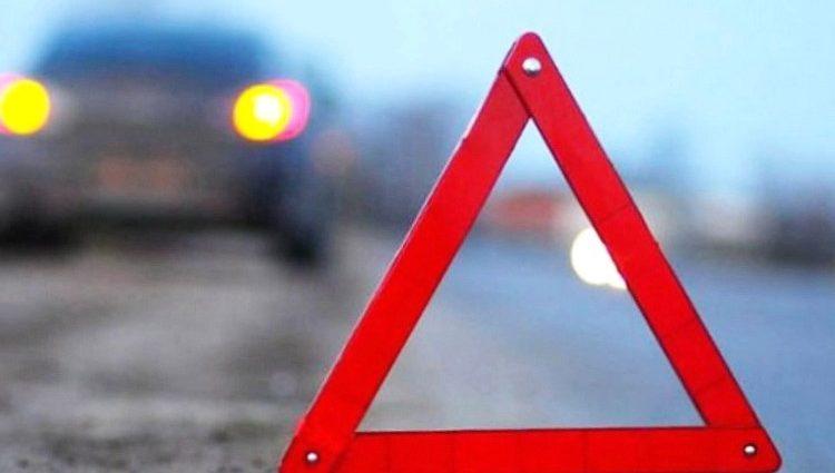 «Из-за пешехода»: попытка человека перебежать дорогу закончилась двойным столкновением