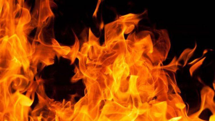 Пожар на рынке: К тушению привлечены 70 спасателей и 13 единиц техники