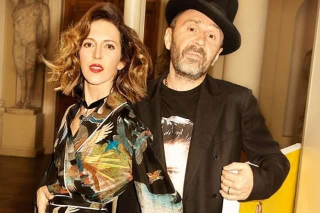 «У нас у всех есть твоя музыка»: жена Шнурова трогательно поздравила его с днем рождения