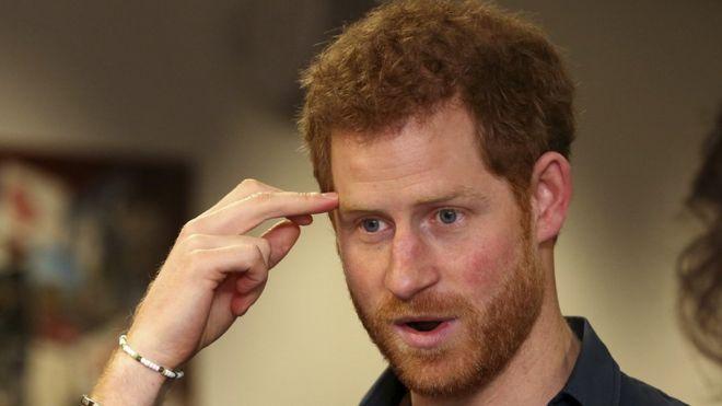 Принц Гарри получил необычный предсвадебный подарок от королевы-бабушки
