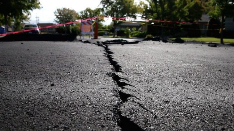 Страну накрыло мощнейшим за 43 года землетрясением