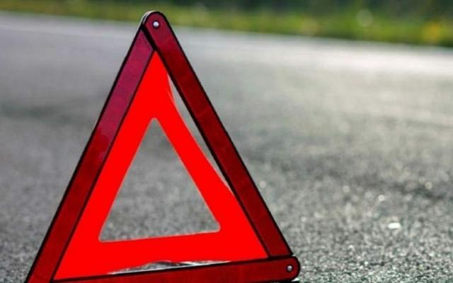 Автобус слетел с дороги и перевернулся: из-за страшной аварии погибли шесть человек