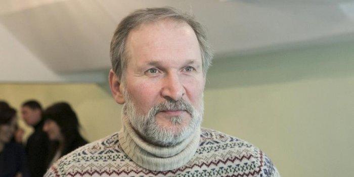 «Вы очень, очень нам нужны!»: исхудавший после госпитализации Добронравов вернулся на работу