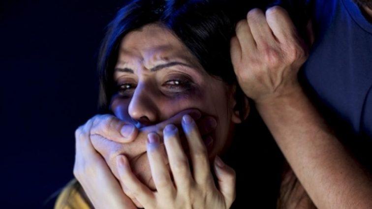 77 -летний религиозный лидер изнасиловал несовершеннолетнюю девушку