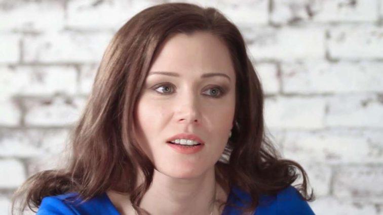 Красивая, успешная и знаменита: как Юлии Назаренко-Благой удается всё успевать и что происходит в личной жизни актрисы