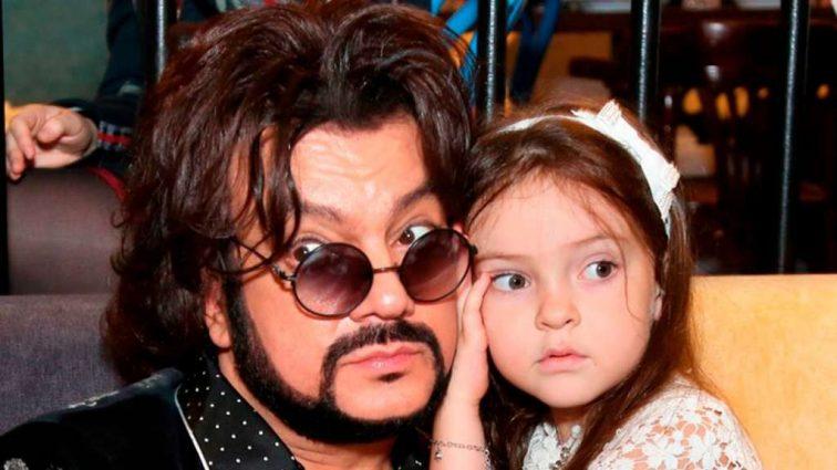 «Это зловещий симптом»: Лицо дочери Киркорова ужаснуло поклонников артиста