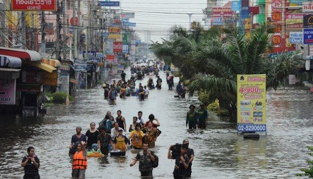 Мощное наводнение унесло за собой 9 жизней учеников