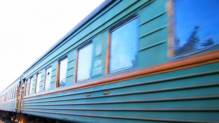 Поезд врезался в автомобиль: есть погибшие