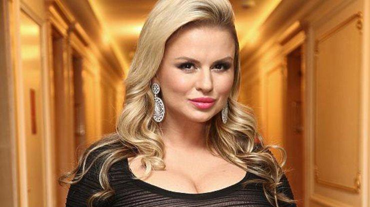 «Красотка!»: Анна Семенович выставила соблазнительные фото