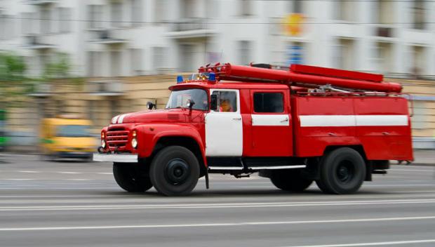 «Воют сирены и мчаться пожарные машины»: в столице горит отель