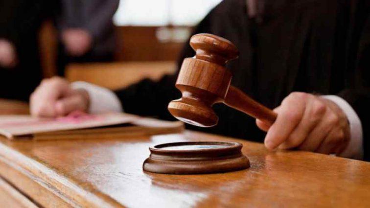 Суд приговорил юриста к штрафу за то, что тот съел материалы дела