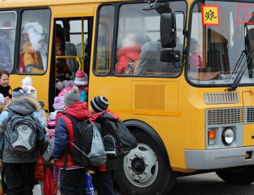 Ужасное ДТП : автобус с детьми врезался в фуру!